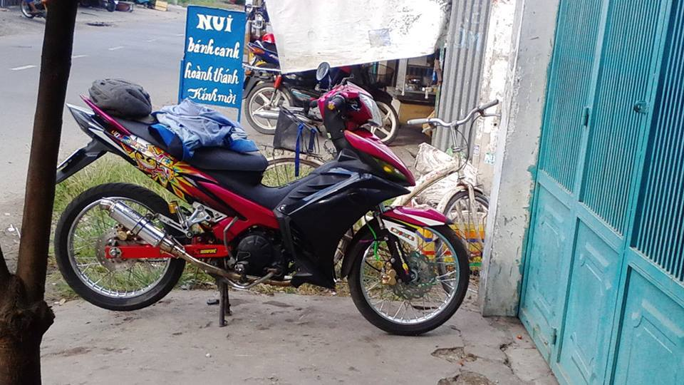 Exciter phong cach xe dau voi bieu tuong Rossi - 6