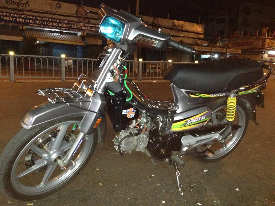 Honda dream do sac net trong dem - 2