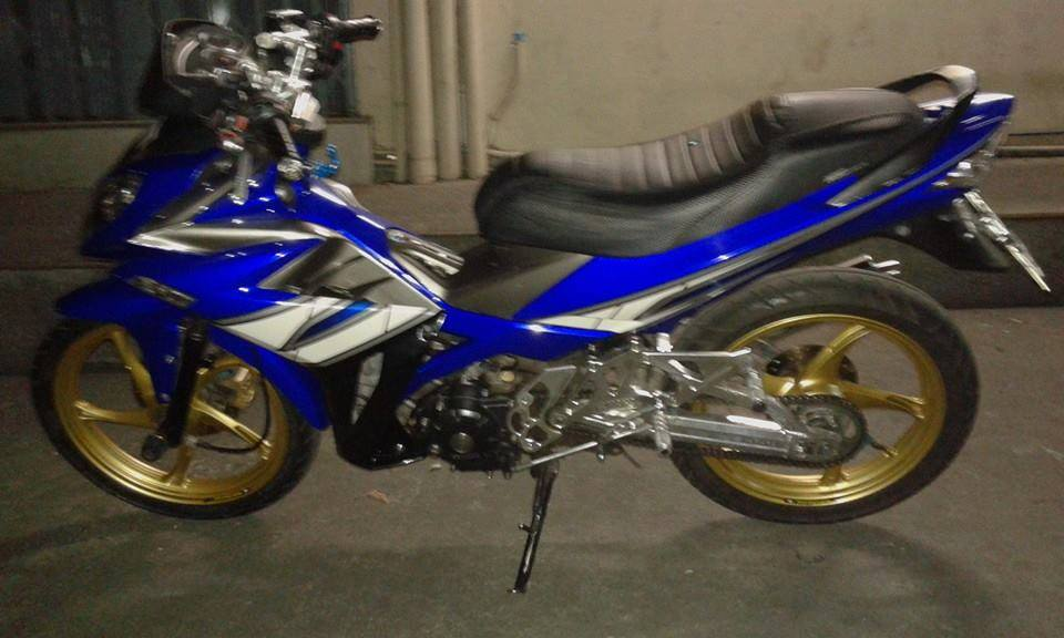 Exciter 135cc do phong cach x1r cuc chat trong tung chi tiet