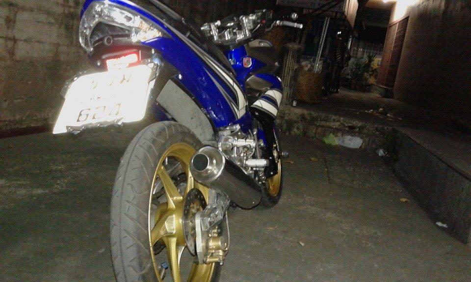Exciter 135cc do phong cach x1r cuc chat trong tung chi tiet - 4