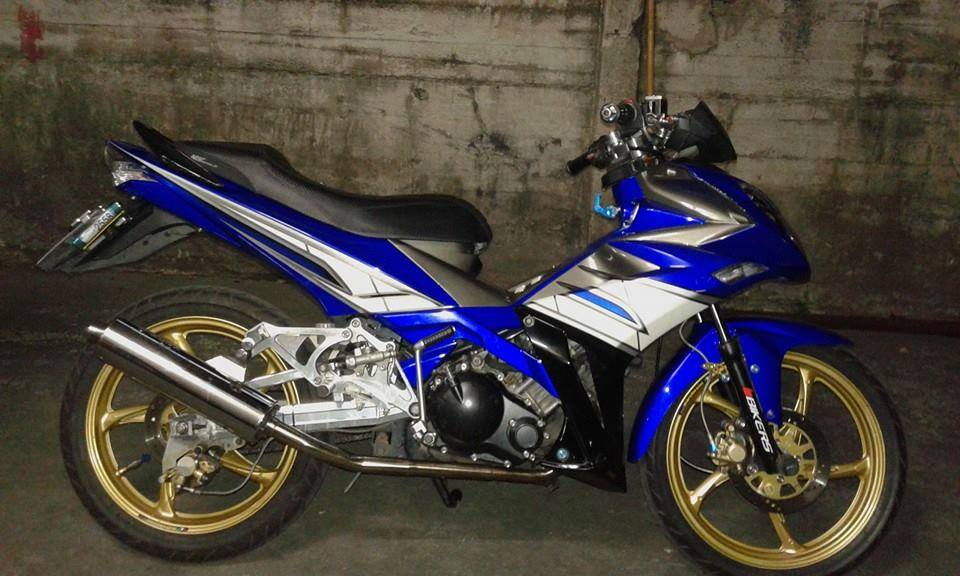 Exciter 135cc do phong cach x1r cuc chat trong tung chi tiet - 5