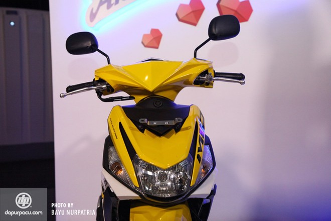 Yamaha Mio M3 125 Can canh chi tiet - 3