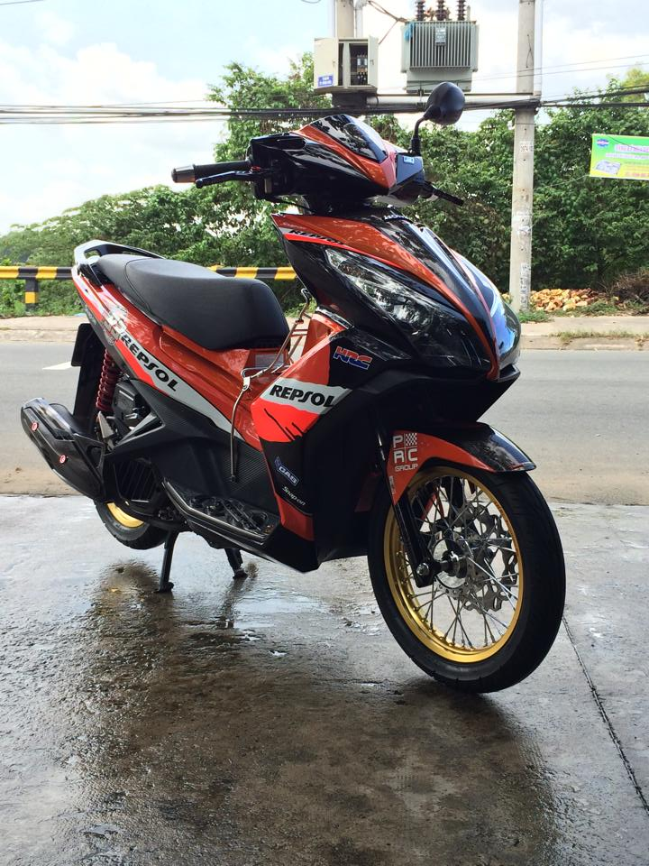 AirBlade 125 do tuyet dep voi phong cach Repsol