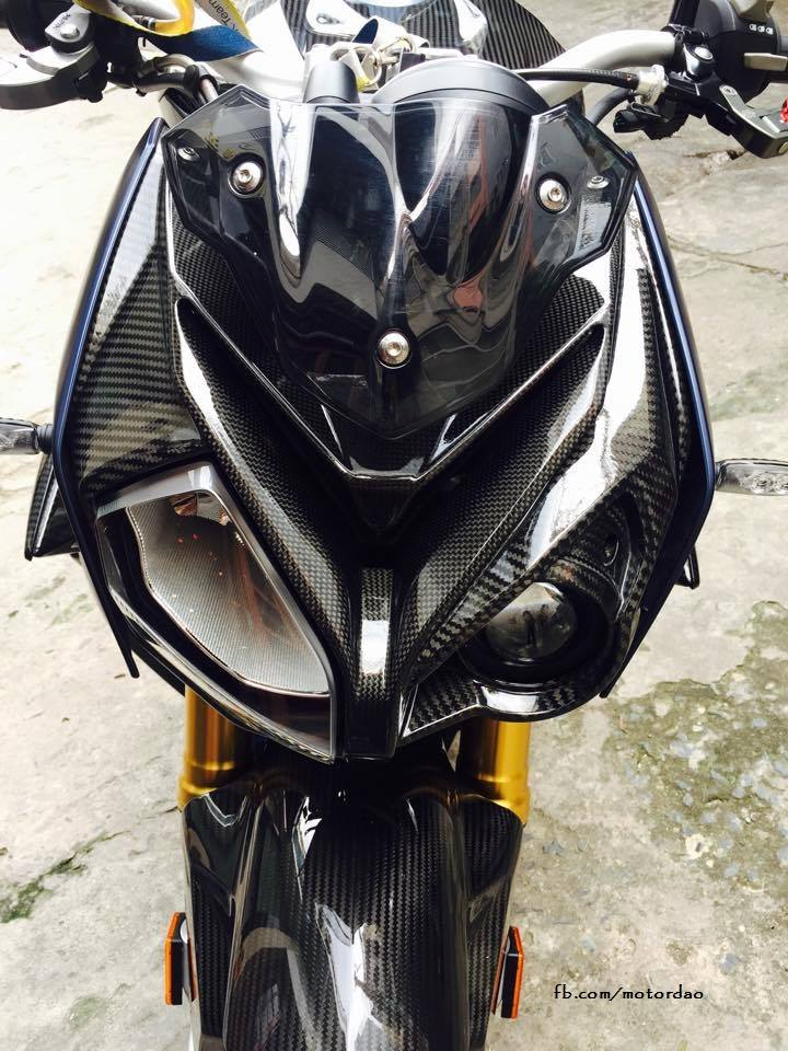 BMW S1000R do full carbon cuc chat