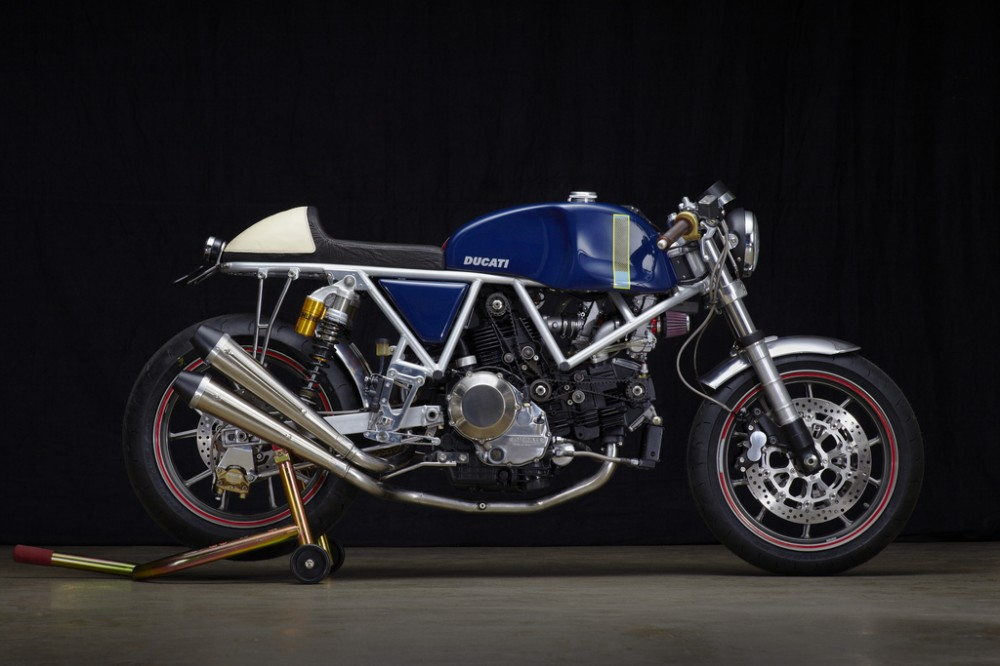 Can canh qua trinh do Riviera Ducati SS phong cach Cafe Racer