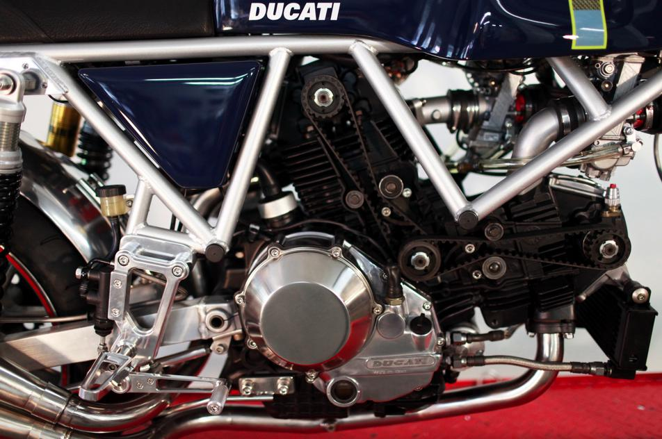 Can canh qua trinh do Riviera Ducati SS phong cach Cafe Racer - 19