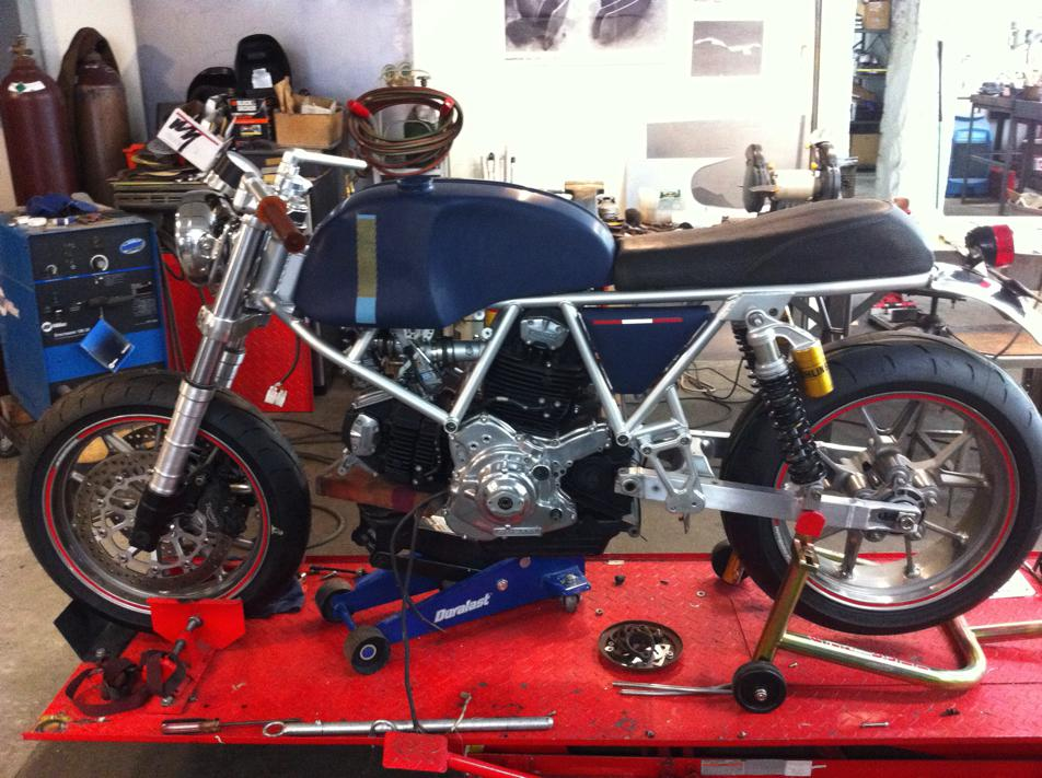 Can canh qua trinh do Riviera Ducati SS phong cach Cafe Racer - 21