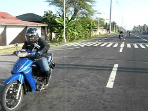 Clip test toc do giua Wave 100 va Suzuki Shogun R125