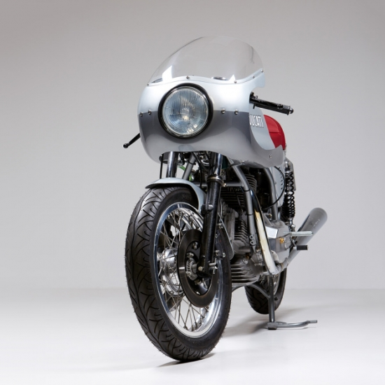 Ducati 860 GT do Cafe Racer trai tim Y trong ve dep Anh - 7