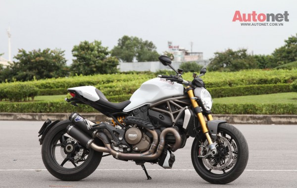 Ducati Monster 1200S Quy dau dan day suc manh - 8