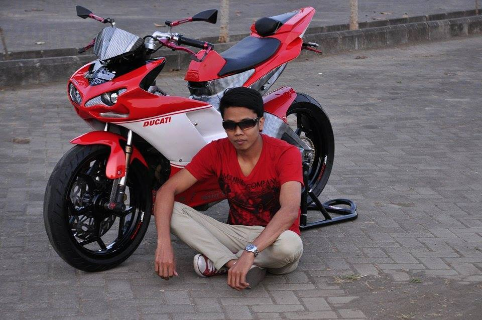 Exciter do cuc chat thanh mot chiec sieu mo to Ducati - 6