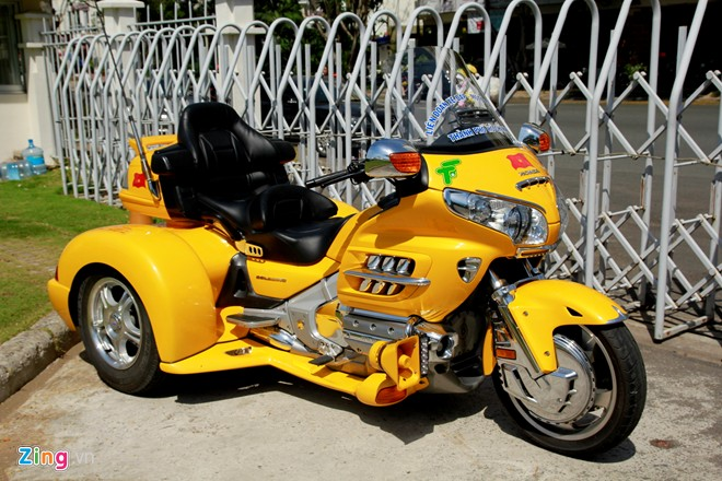 Honda Gold Wing Do 3 banh tai Sai Gon - 2