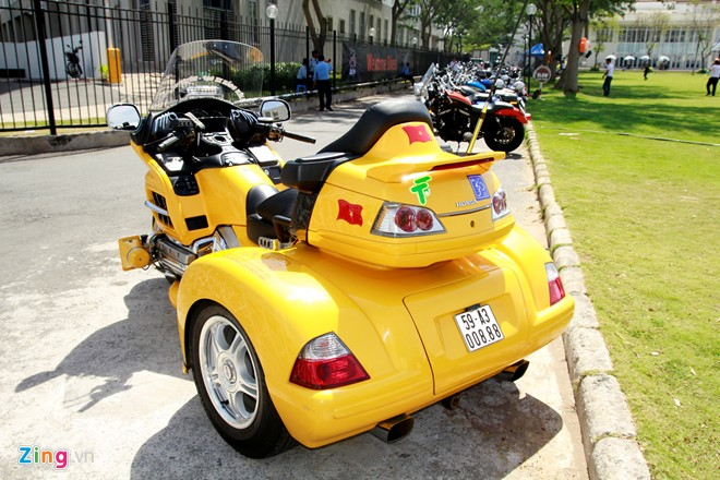 Honda Gold Wing Do 3 banh tai Sai Gon - 3