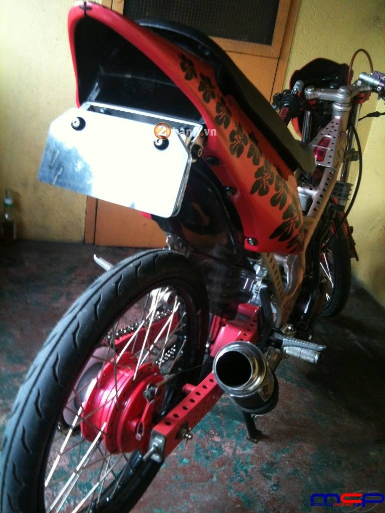 Raider 150 Chay Drag diu dang voi mau hong hoa dam but - 9