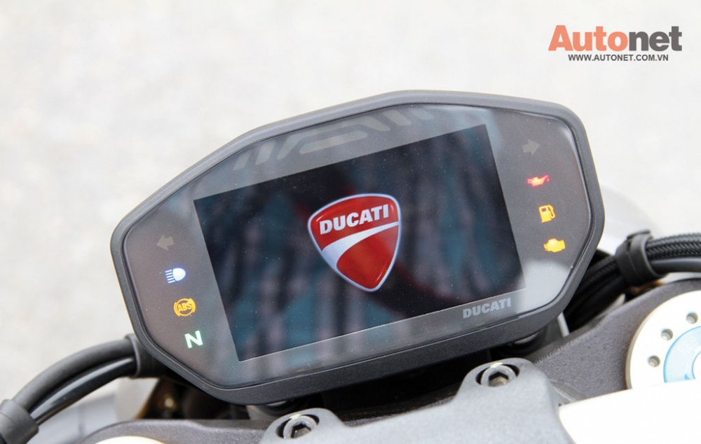Ducati Monster 1200S Quy dau dan day suc manh - 15