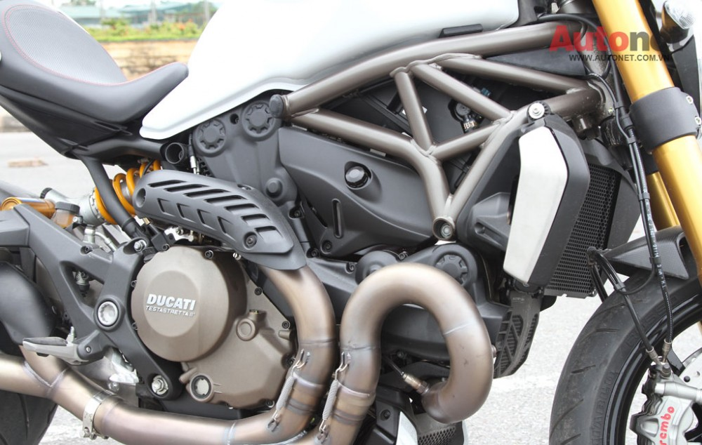 Ducati Monster 1200S Quy dau dan day suc manh - 17