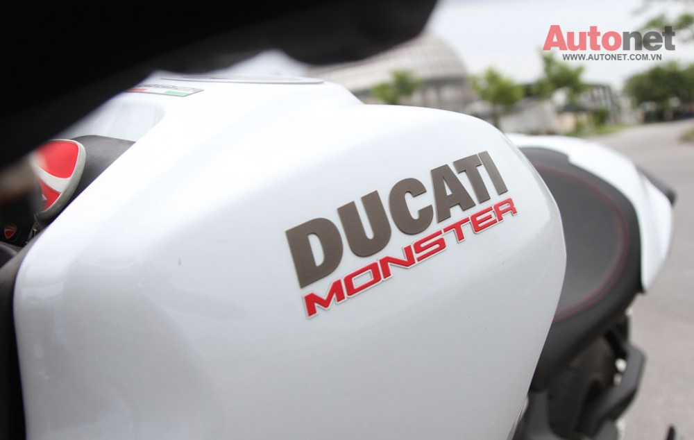 Ducati Monster 1200S Quy dau dan day suc manh - 24