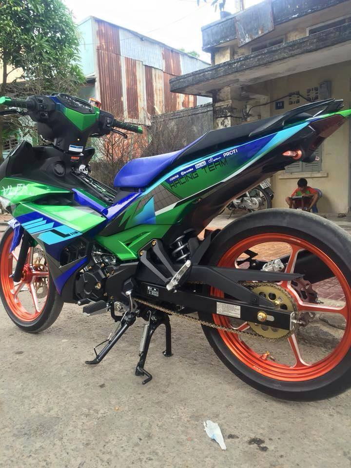 Exciter 150 Do kieng cua doi Racing Team - 2
