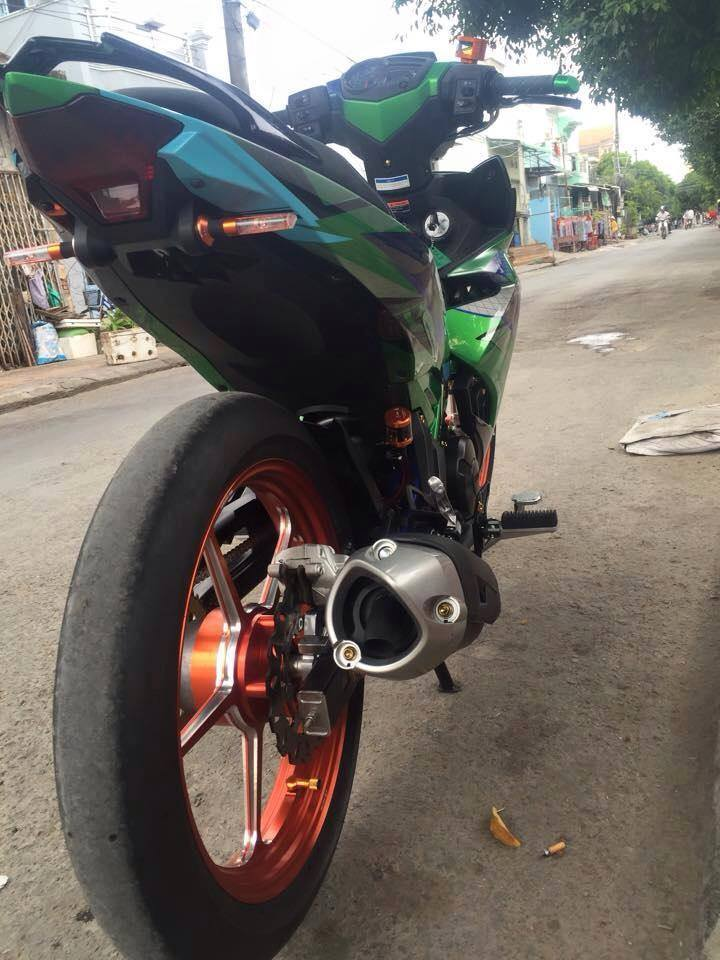 Exciter 150 Do kieng cua doi Racing Team - 4
