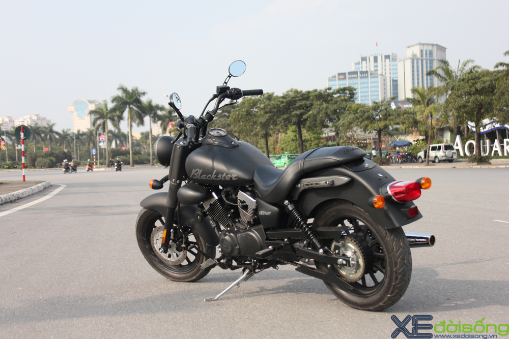 Keeway Blackster 250 gia re voi tham vong banh truong tai VN - 4