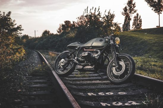 BMW R100 quyen ru va day tinh te voi phien ban do Cafe Racer