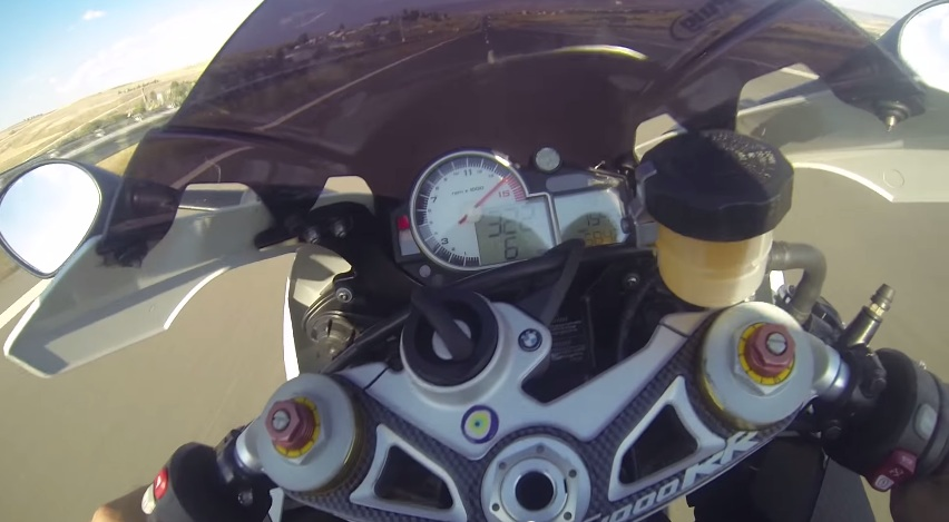 Clip BMW S1000RR dat top speed 322kmh