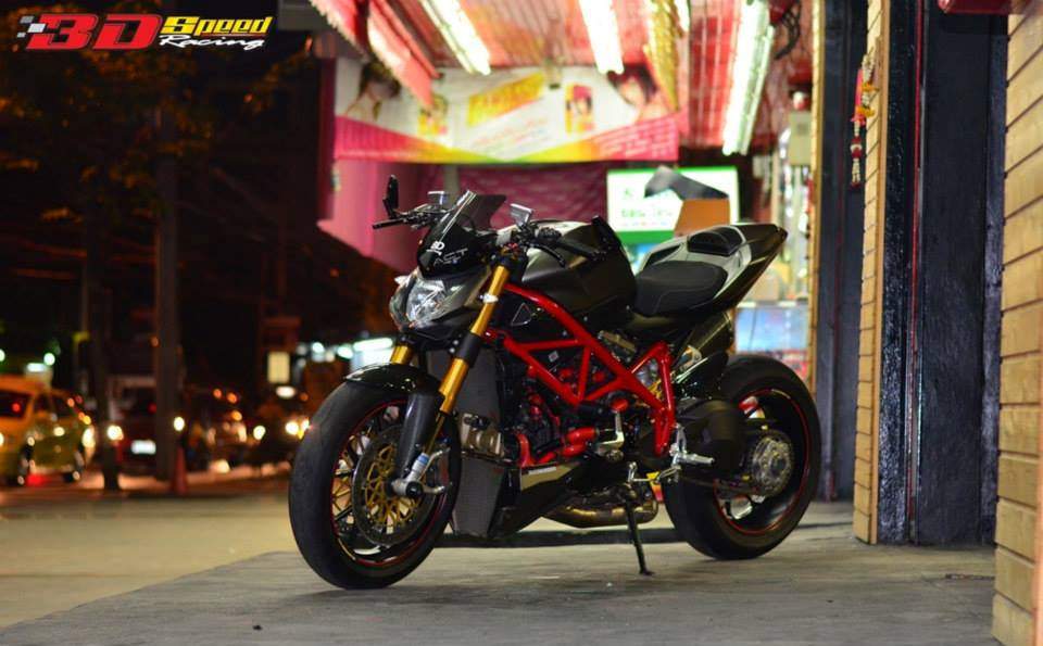 Ducati StreetFighter S do cuc khung voi loat do choi hang hieu - 15