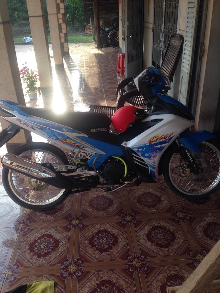 Exciter 135 Oggy nhe nhang voi banh cam - 3
