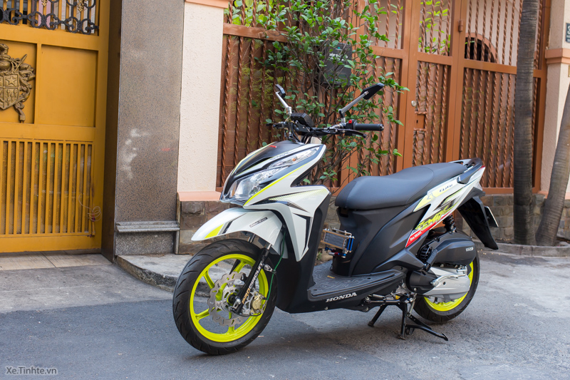 Honda Click 125i Thai Do noi cong voi nhieu do choi tu Takegawa