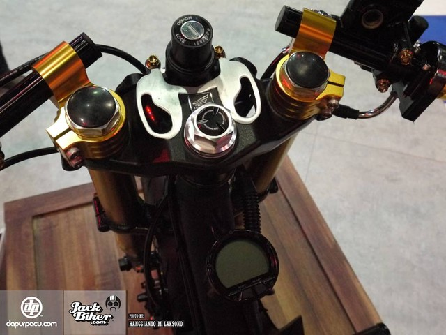 Honda Zoomer X do doc la voi phong cach Cafe Racer - 2