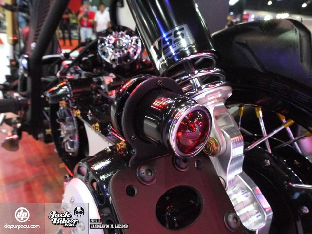 Honda Zoomer X do doc la voi phong cach Cafe Racer - 8