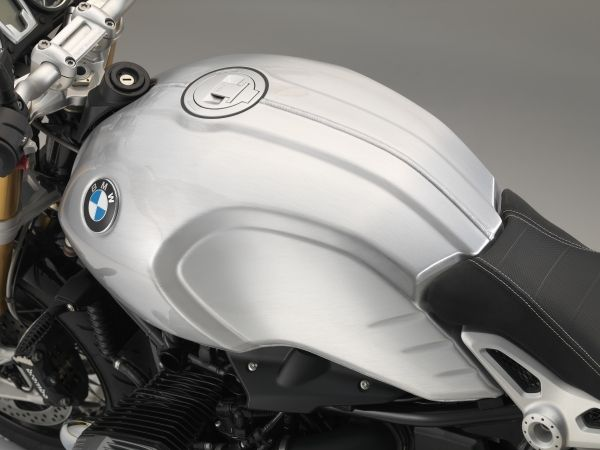 BMW R nine T chat lu voi ban do chinh hang - 2