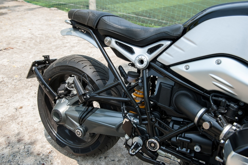 BMW R NineT voi cac do choi hang hieu - 9