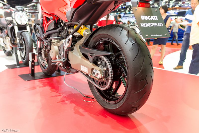 Can canh chiec Ducati Monster 821 Ban rut gon cua Monster 1200 - 14