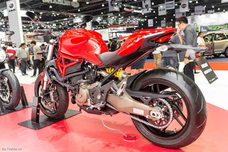 Can canh chiec Ducati Monster 821 Ban rut gon cua Monster 1200 - 15