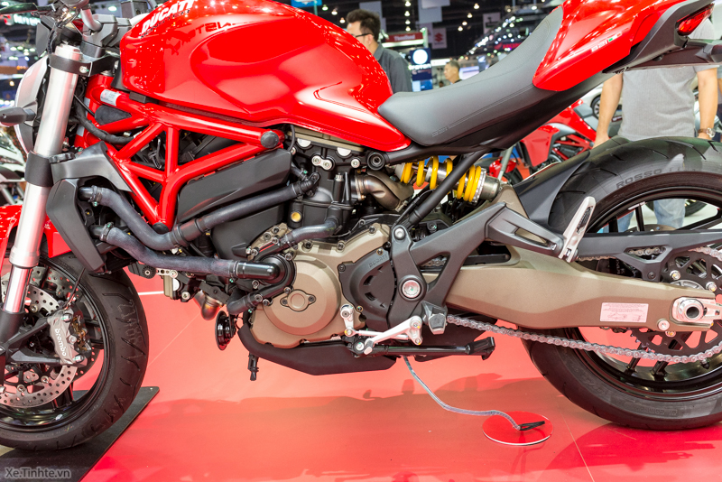 Can canh chiec Ducati Monster 821 Ban rut gon cua Monster 1200 - 16