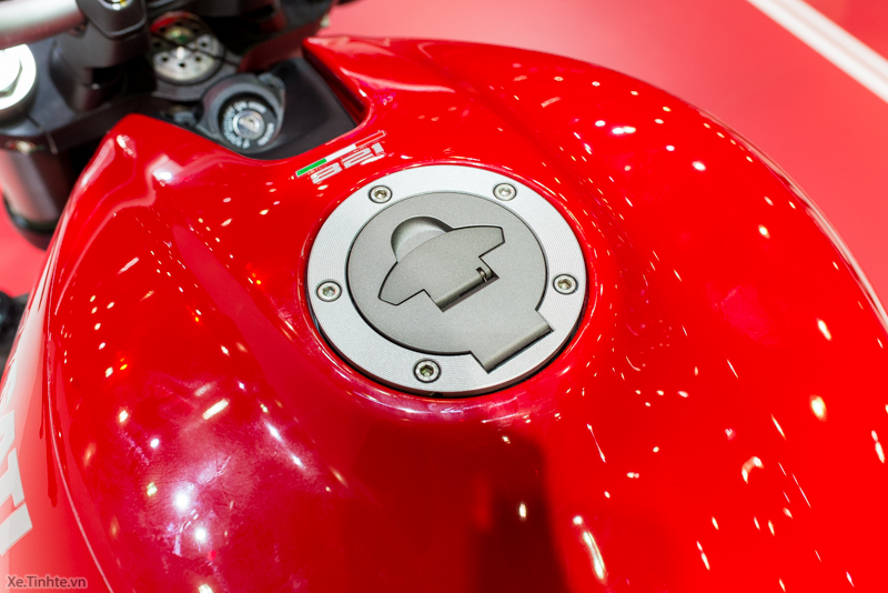 Can canh chiec Ducati Monster 821 Ban rut gon cua Monster 1200 - 22