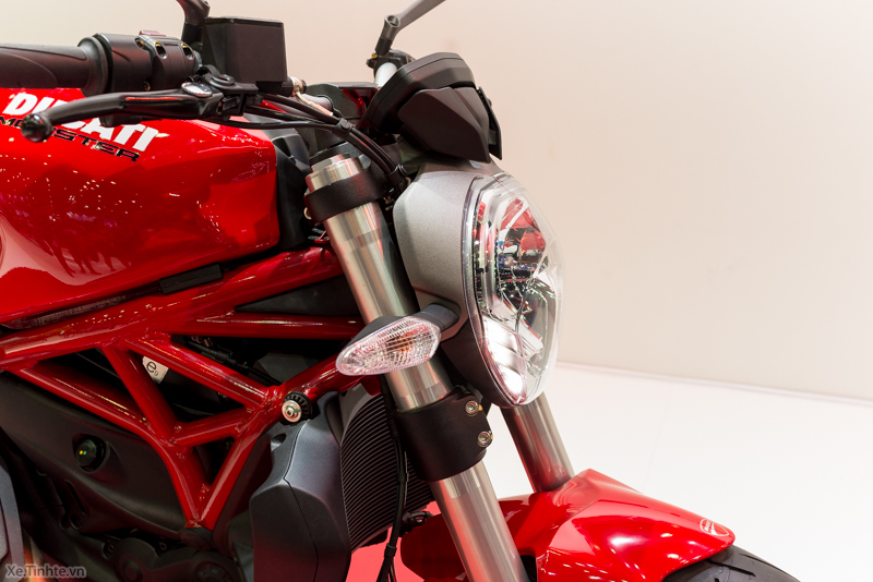 Can canh chiec Ducati Monster 821 Ban rut gon cua Monster 1200 - 31