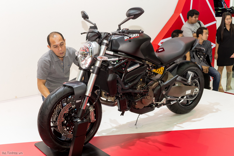 Can canh chiec Ducati Monster 821 Ban rut gon cua Monster 1200 - 32