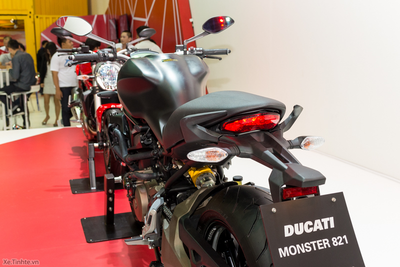Can canh chiec Ducati Monster 821 Ban rut gon cua Monster 1200 - 35