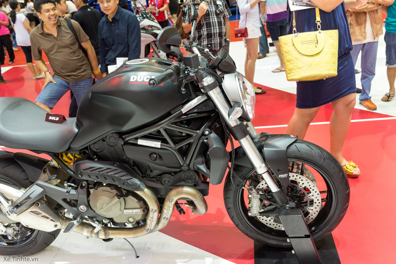Can canh chiec Ducati Monster 821 Ban rut gon cua Monster 1200 - 43