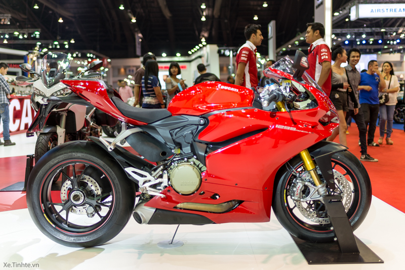 Can canh Ducati 1299 Panigale S tai Bangkok Motor Show 2015