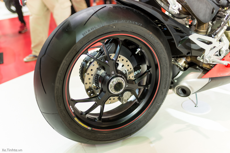 Can canh Ducati 1299 Panigale S tai Bangkok Motor Show 2015 - 14