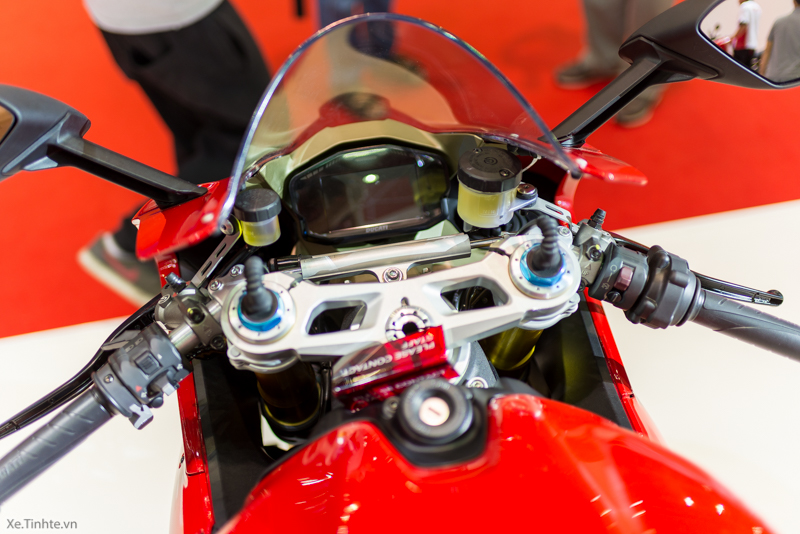 Can canh Ducati 1299 Panigale S tai Bangkok Motor Show 2015 - 27
