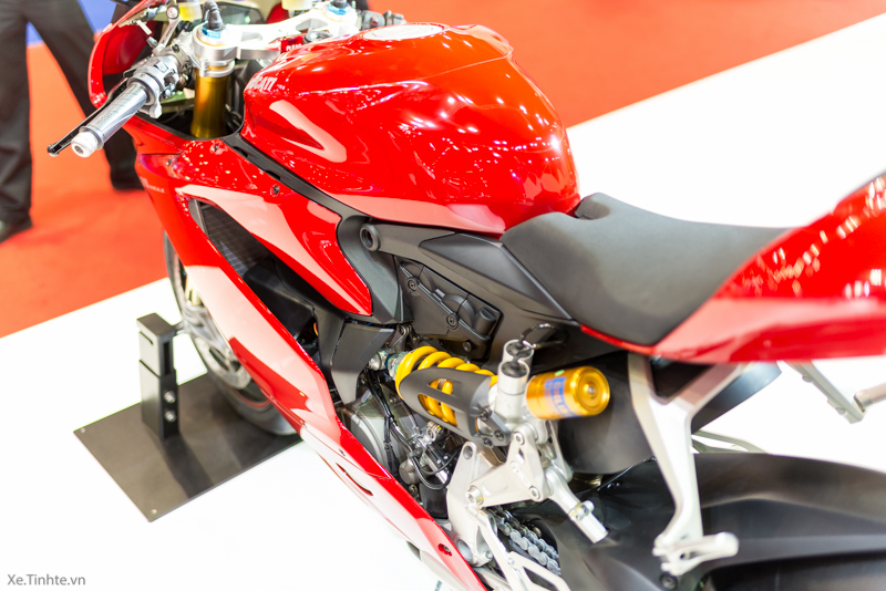 Can canh Ducati 1299 Panigale S tai Bangkok Motor Show 2015 - 34