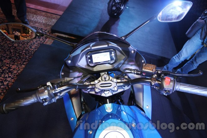 Can canh Suzuki Gixxer SF150 moi ra mat tai An Do - 4