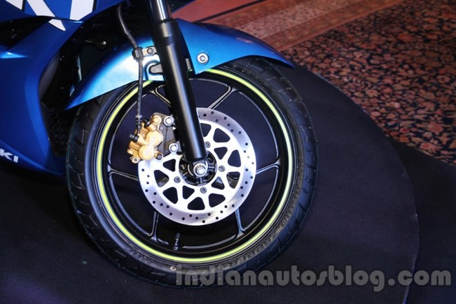 Can canh Suzuki Gixxer SF150 moi ra mat tai An Do - 5
