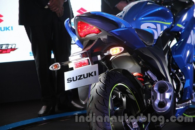 Can canh Suzuki Gixxer SF150 moi ra mat tai An Do - 9