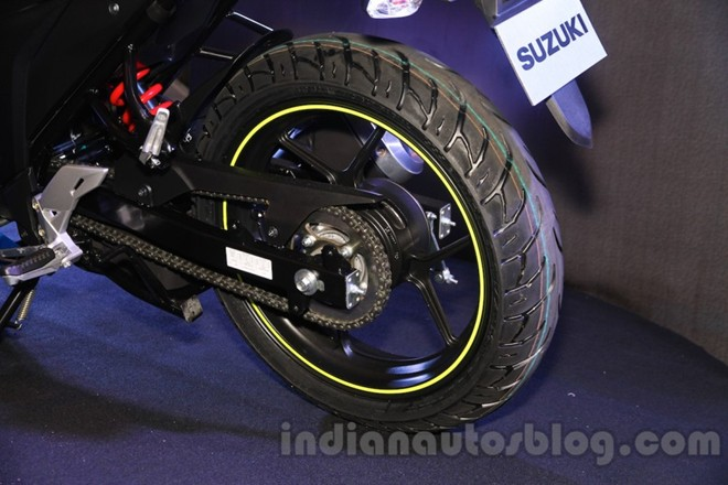 Can canh Suzuki Gixxer SF150 moi ra mat tai An Do - 10