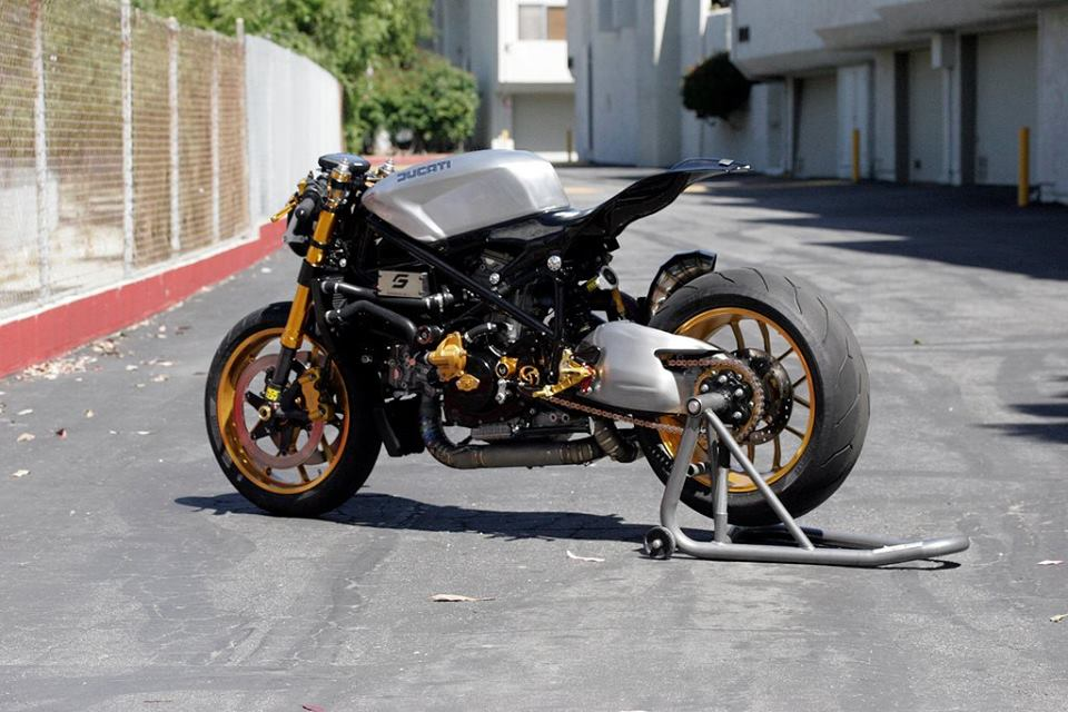 Ducati do phong cach Cafe Racer - 6
